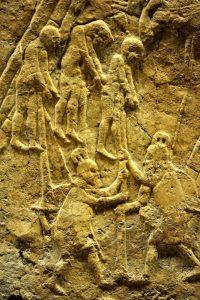 Prisioneiros judaítas empalados pelos assírios em Laquis em 701 a. C.