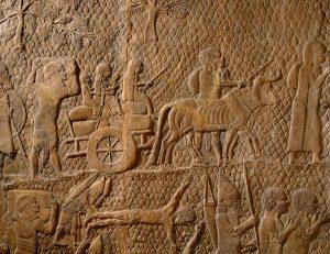 Habitantes de Laquis deixam a cidade destruída pelos assírios em 701 a. C.