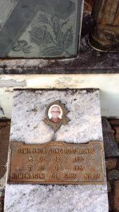 Túmulo de minha avó materna no cemitério de Alagoas