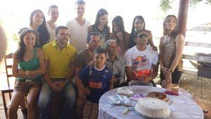 José Nicolau com seus 12 netos