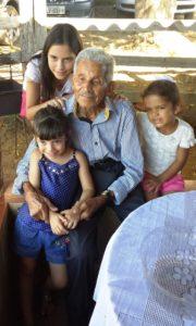 José Nicolau com suas bisnetas